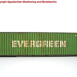 Weathered Athearn RTR 40\' Hi-Cube Evergreen Container