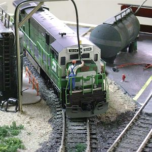 C30-7 BN supplying with sand, in the BNSF yard-Model Railroad Brazil