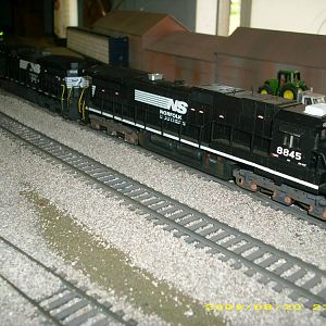 ns locos on bnsf stack train