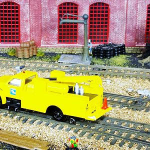 Bachmann_CR_Hi-Rail_rear