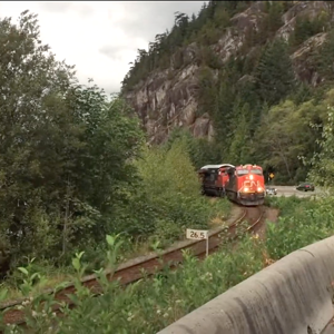 cn train in squamish