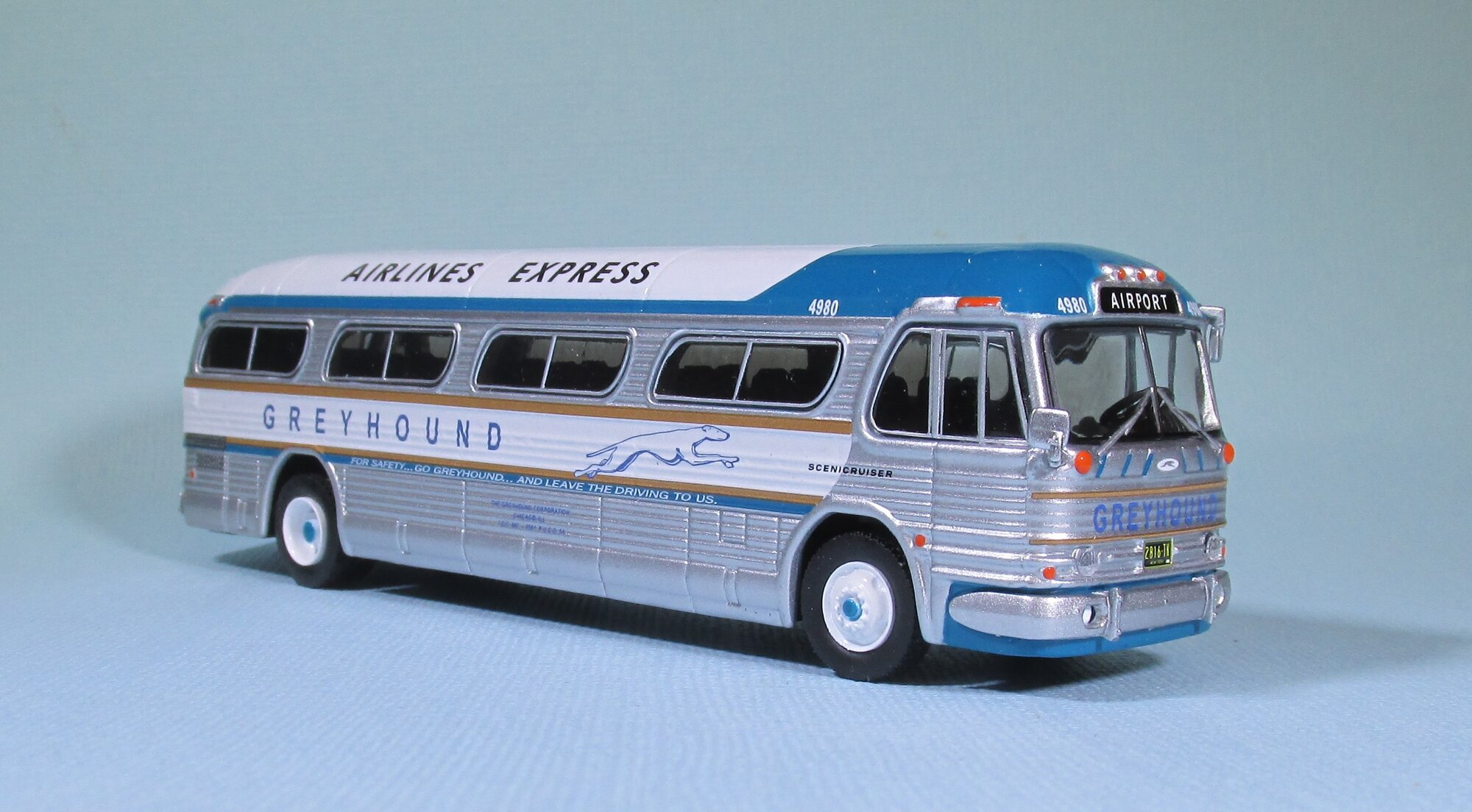 1959 GM PD4104 Airlines.jpg