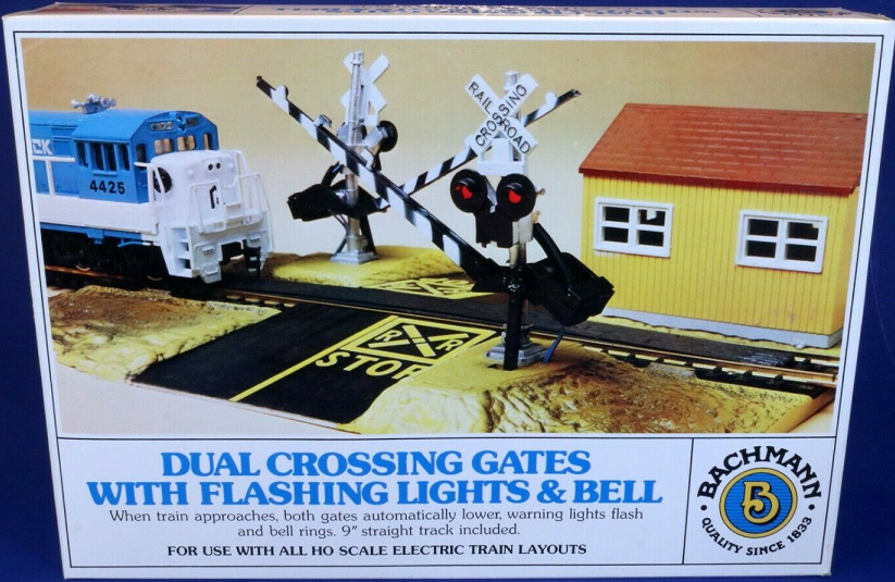 Bachmann HO Scale Dual Crossing Gate with Flashing Lights and Bell Picture.png