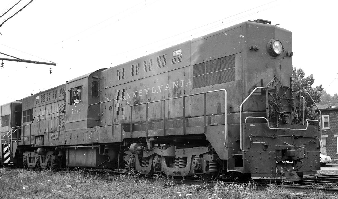 Baldwin RT-624 8785 at Overbrook 10-26-1952.jpg