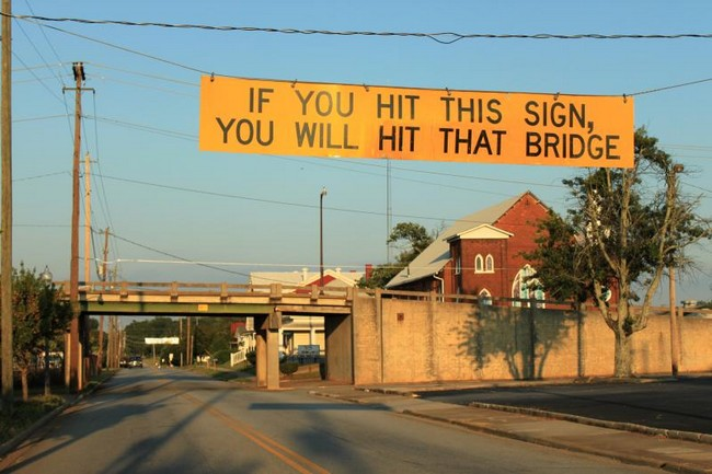Bridge sign.jpe