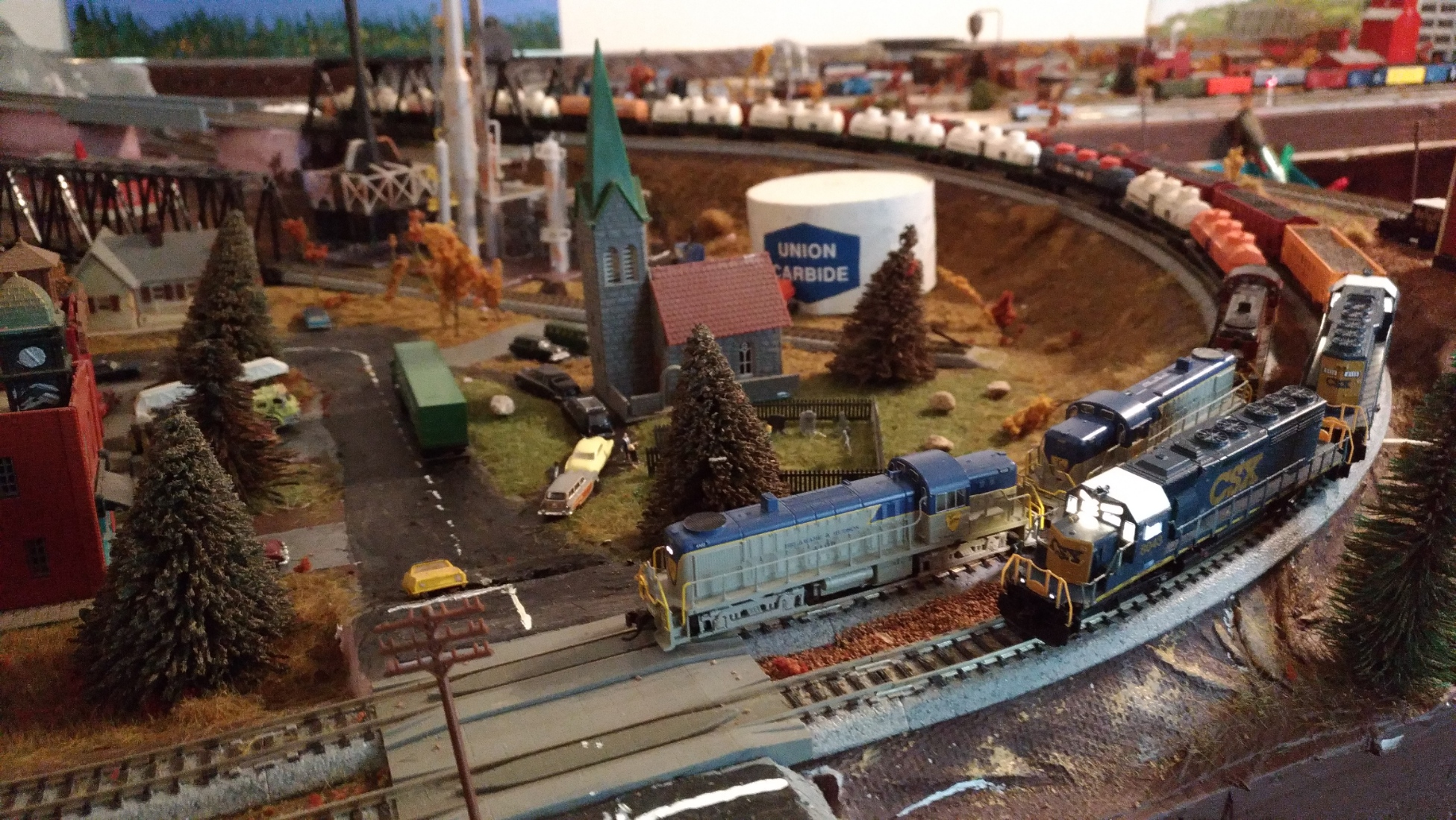 Chemical Extra passes coal drag.jpg