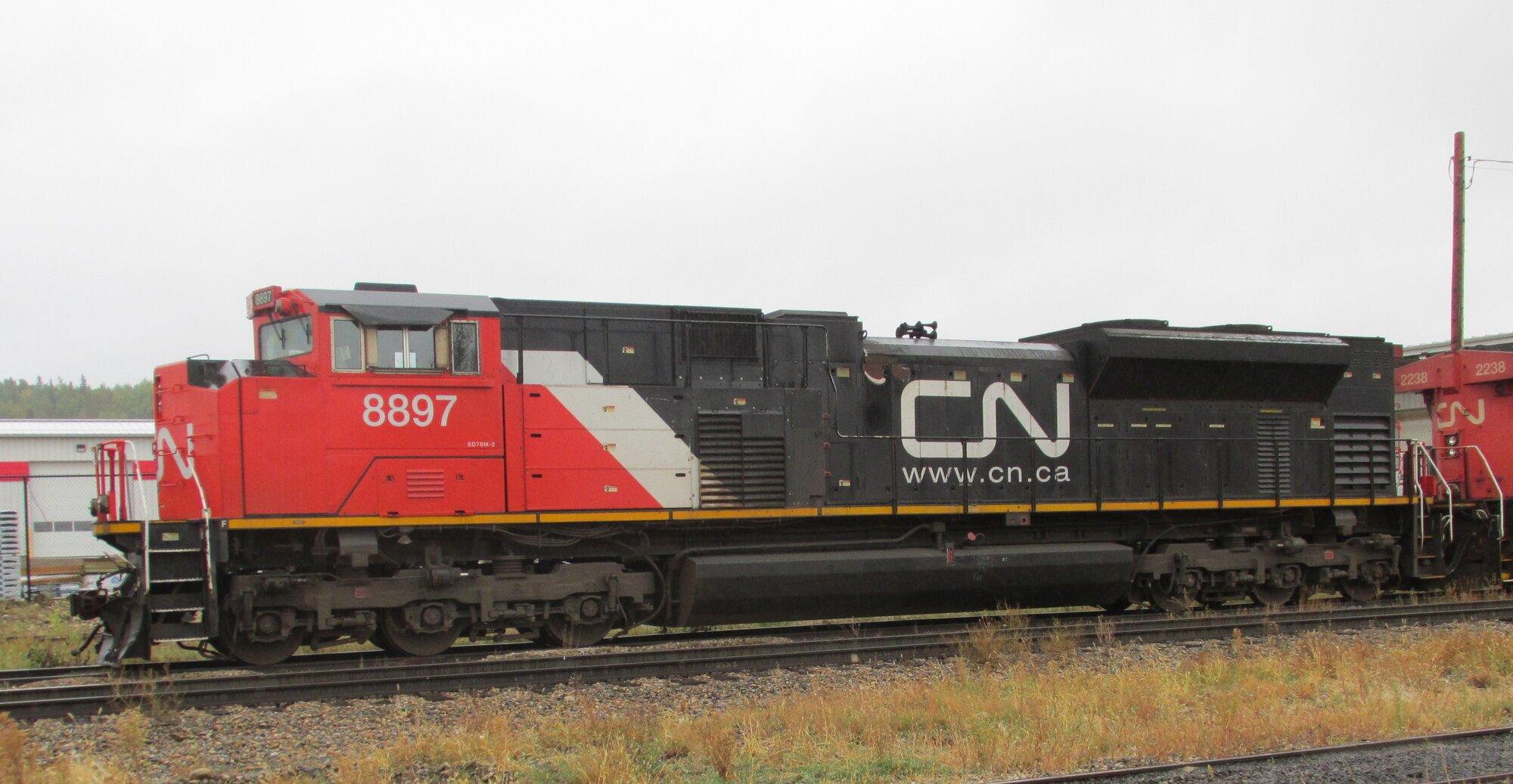 CN 8897_SD70M-2 (2).jpg