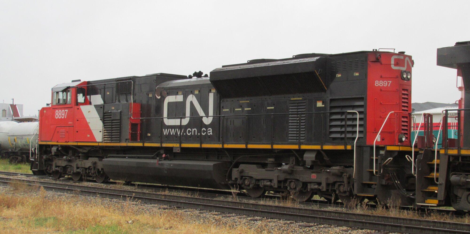 CN 8897_SD70M-2 (3).jpg