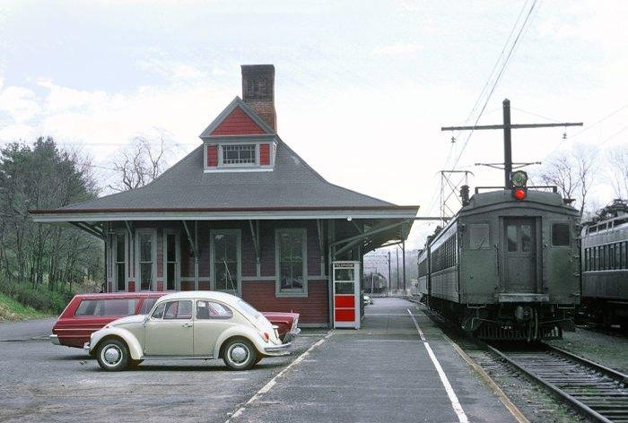 Gladstone Station E-L RR 1970s.jpg