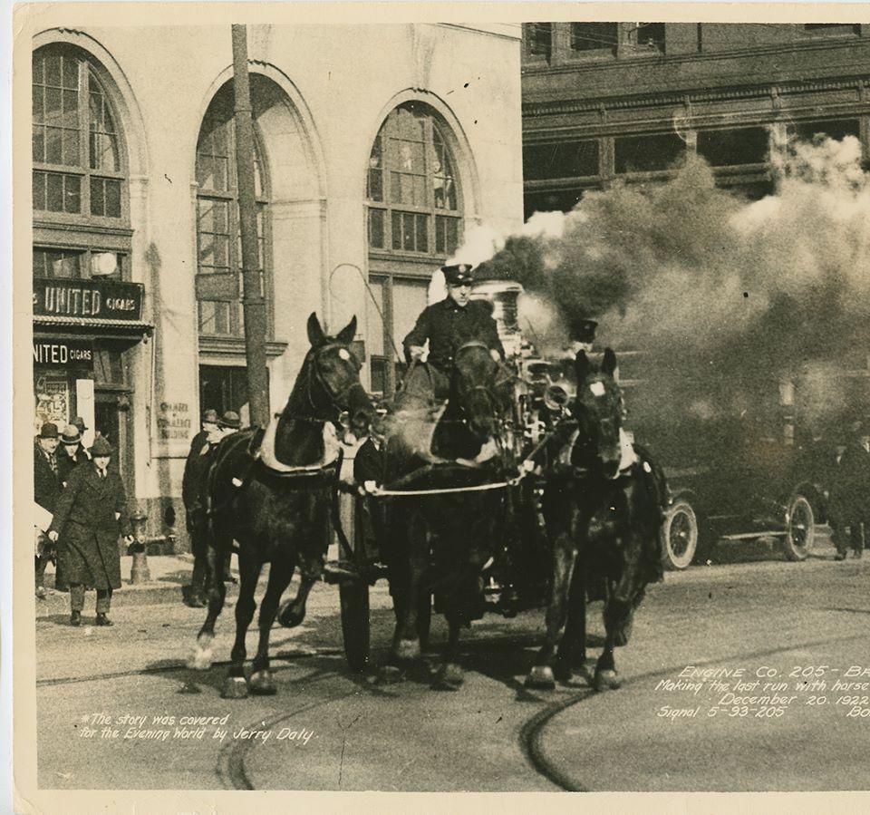 Last Run of FDNY Horses 12-20-1922.jpg