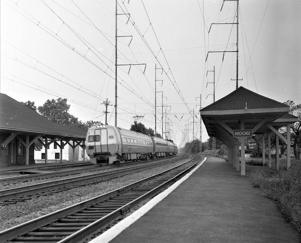 Metroliner SD at Prospect Park (Moore) 10-9-1971 Hal Smith Photo.jpg