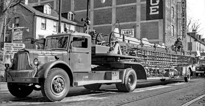 PFD Ladder 8 1946 Brockway Tractor - 1941 ALF 85' Ladder.jpg