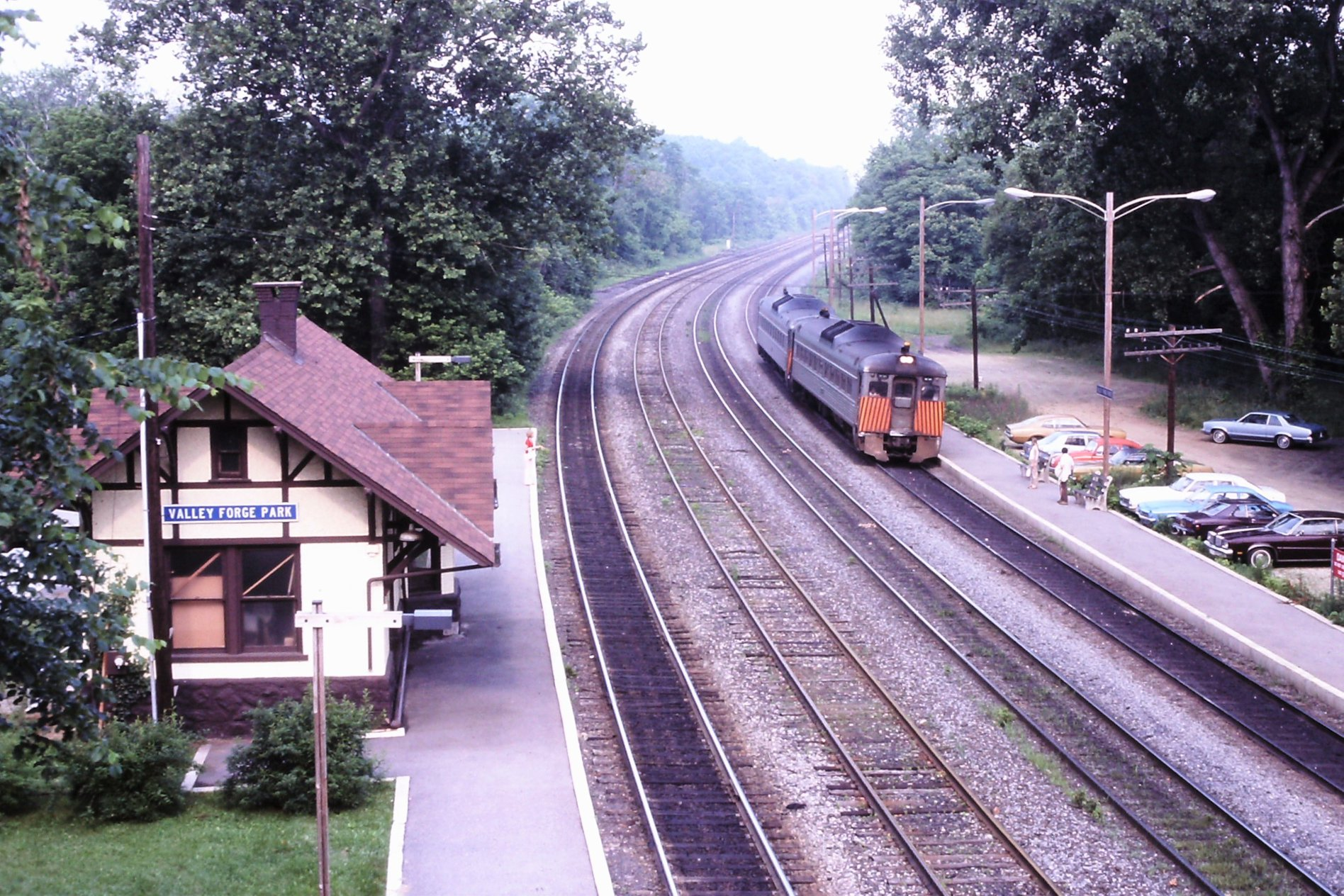 RDG # 6 RDCs stop at Valley Forge 6-18-1979.jpg