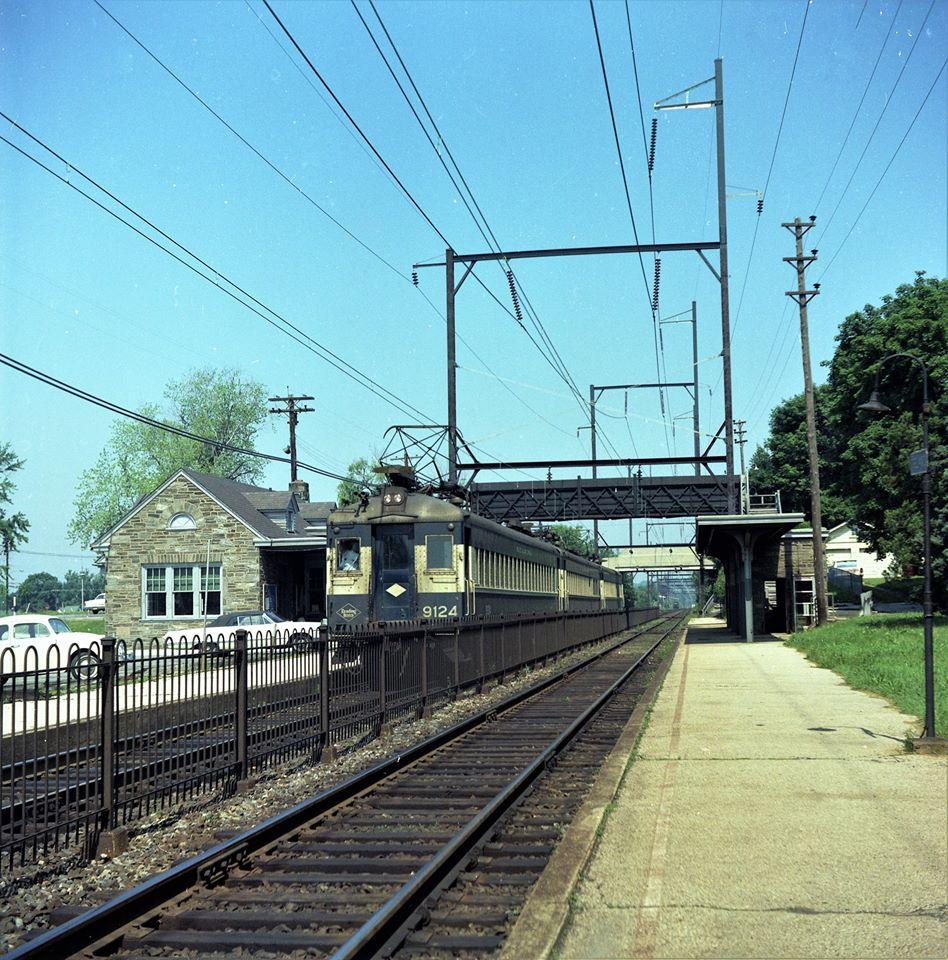 RDG # 9124 + 2_Oreland, PA_June 15 1968.jpg