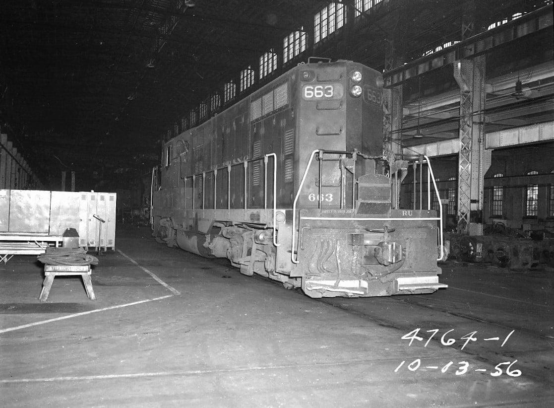RDG GP& 663 (Passener Unit) 10-03-1956.jpg