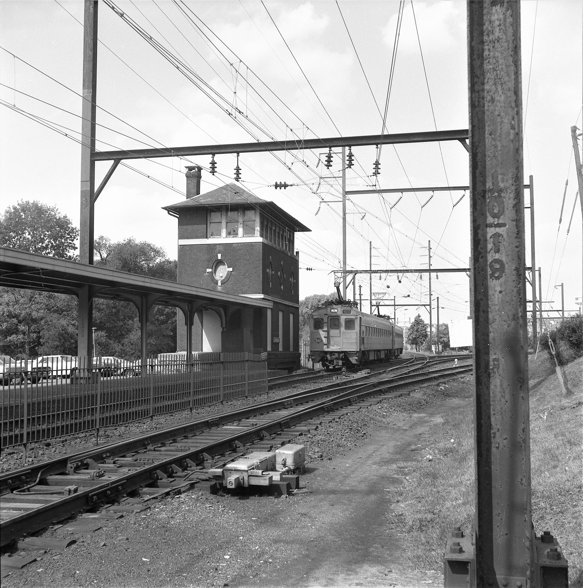 RDG MU at Jenkintown, PA 9-30-1976.jpg