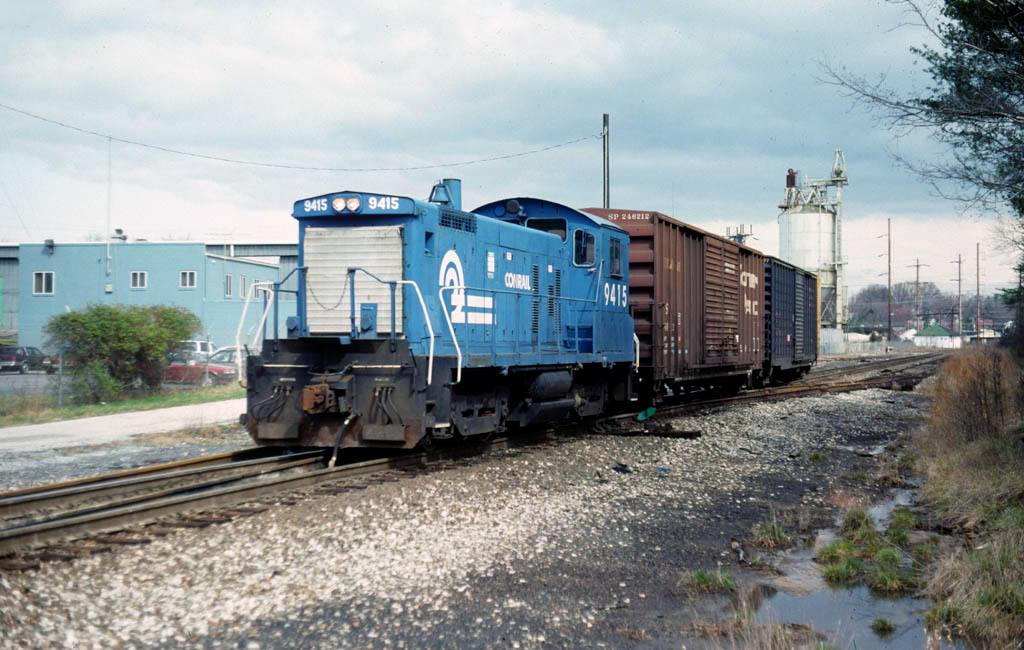 WHWA01 Engine 9415 at Bowie, MD 3-27-1992.jpg